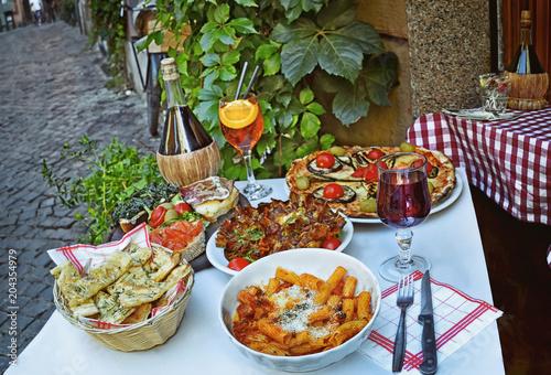 Fotografía  A summer  dinner