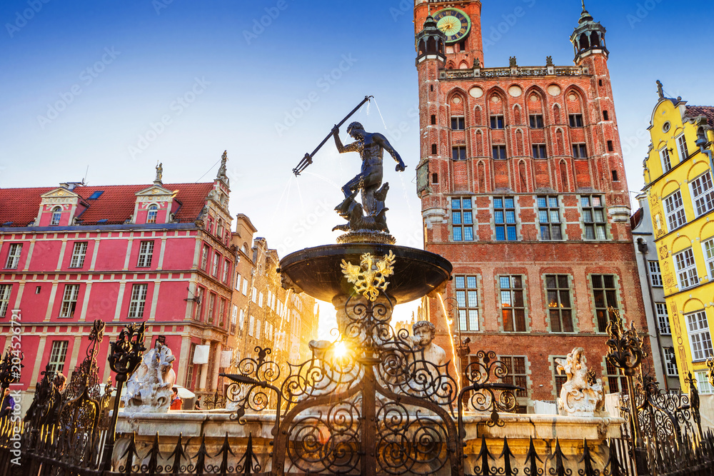 Fototapety, obrazy: Beautiful fountain in the old center of Gdansk city, Poland