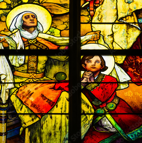 Detail of art nouveau stained glass window by Alfons Mucha, St Fototapet