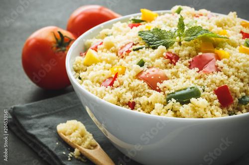 Taboulé de légumes. Salade Saine pour l'été