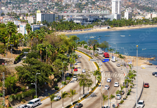 Valokuva  Traffic in Av Costera Miguel Aleman at Acapulco in Mexico