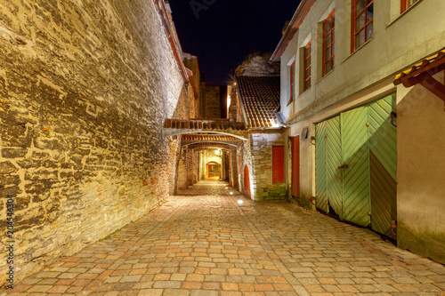 tallinn-lane-of-st-catharine