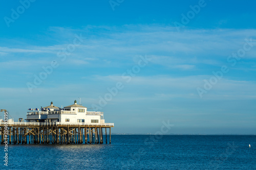 Staande foto Verenigde Staten Clear sky over Malibu Pier in Los Angeles