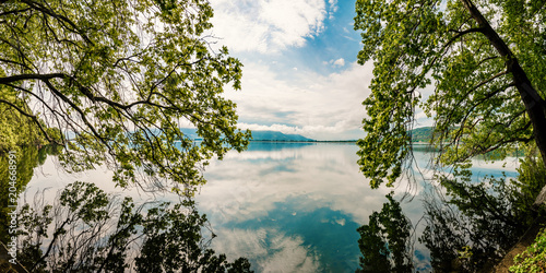 In de dag Bomen Beautiful Nature Scene Lake with trees touching the water
