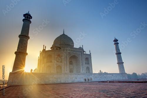Keuken foto achterwand Asia land Taj Mahal at the sunrise, Arga, India