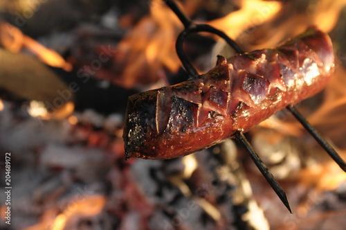 Kiełbasa na ognisku - 204689172