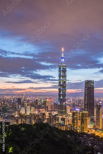 Deurstickers Stad gebouw Taiwan Taipei city night view seen from mt.Elephant.