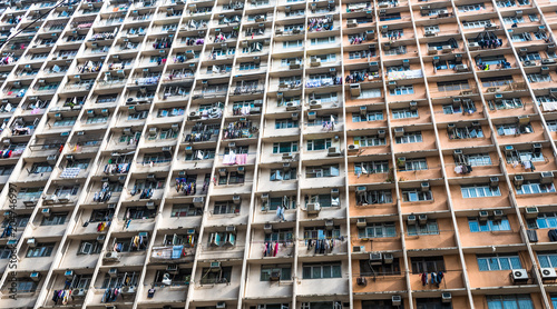 Poster Aziatische Plekken Overcrowded residential building in Hong Kong
