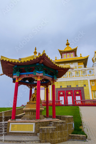 Foto op Aluminium Bedehuis Buddhist temple Golden Abode of Buddha Shakyamuni in Elista, Republic of Kalmykia, Russia