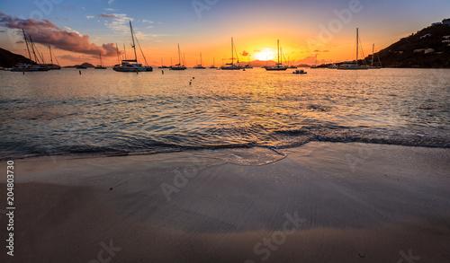 Spoed Foto op Canvas Zee zonsondergang Sunset in British Virgin Islands