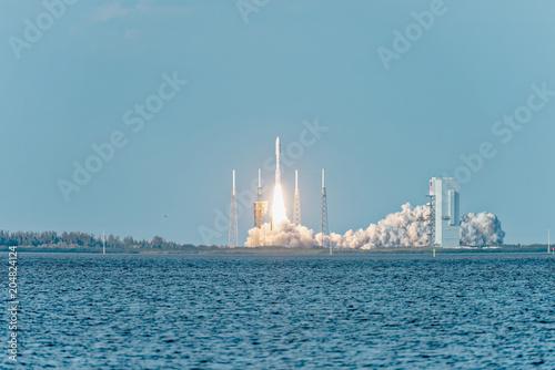 Keuken foto achterwand Nasa NASA rocket clearing the launchpad on liftoff