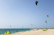 Kite Surfing. Kiteboard, Kite ...