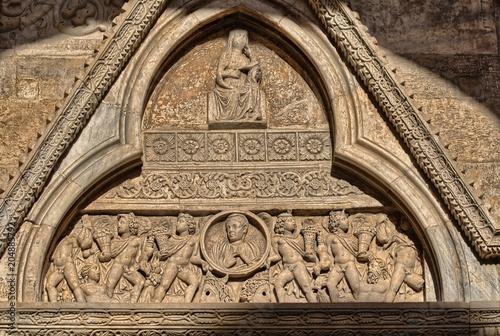 Cattedrale di Cagliari, particolare del prospetto del braccio destro del transet Canvas Print