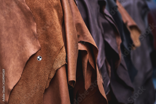 Cuadros en Lienzo Production of leather furniture