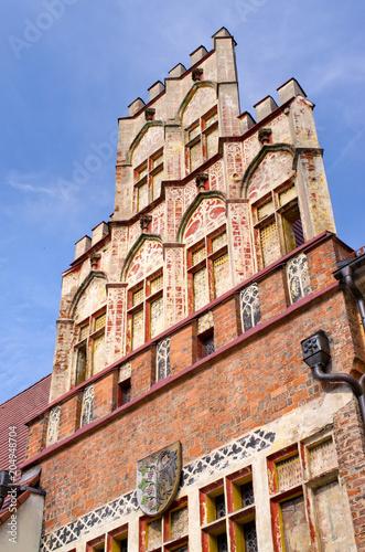 Deurstickers Historisch geb. Town Hall od Sroda Slaska, Poland