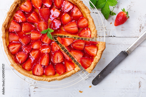 Fotografia Delicious homemade strawberry tart