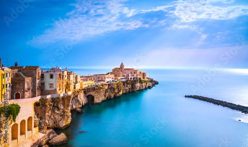 Foto auf Gartenposter Europäische Regionen Vieste town on the rocks, Gargano, Apulia, Italy.