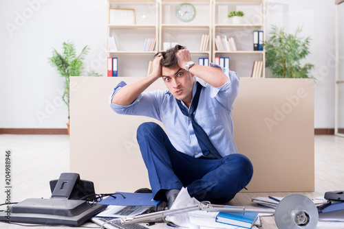 Papiers peints Echelle de hauteur Angry businessman frustrated with too much work