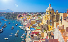 Beautiful Colorful Procida Isl...