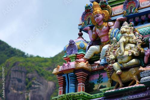 hindu temple of victoria on seychelles island Billede på lærred