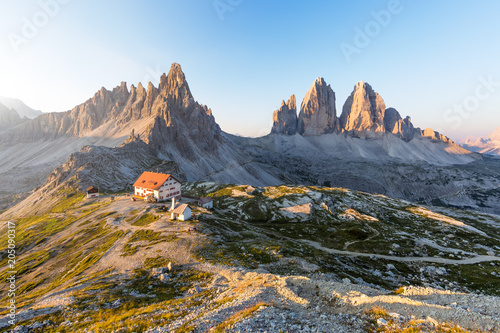 Poster Europa Panoramic view of Tre cime di Lavaredo, in the Dolomites, Italy