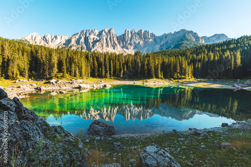 Poster Grijze traf. Carezza lake in Dolomites, Italy