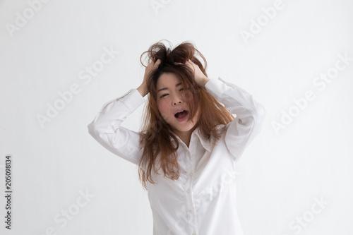Valokuva  白シャツの女性・白バック