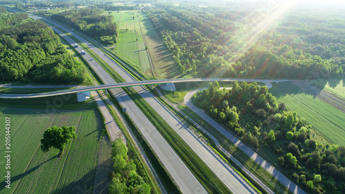 Foto auf AluDibond Olivgrun Highway from drone