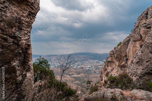 Foto op Aluminium Cappuccino Mountain view of the city of Guanajuato