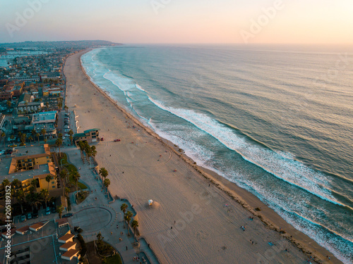 Tuinposter Verenigde Staten Pacific beach and the surrounding Mission bay in San Diego California