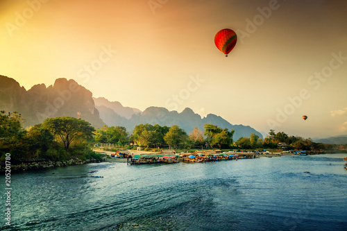 Beautiful views of the mountains and the balloon tour, landmarks travels Vang Vieng, Laos Fototapete