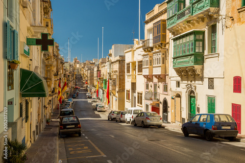 Poster Havana Colorful street in Malta
