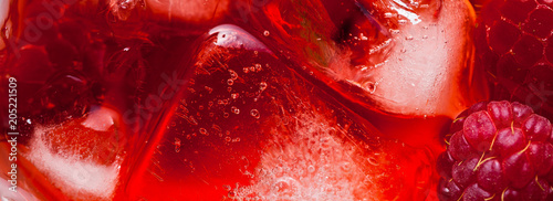 Autocollant pour porte Macro photographie closeup photo of raspberries drink with ice . red macro food background