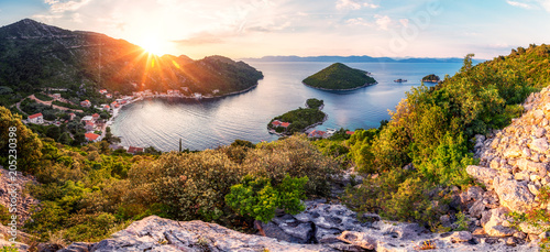 Foto auf Gartenposter Landschaft Panoramic view and sunset image of Prozurska luka at island Mljet in Croatia