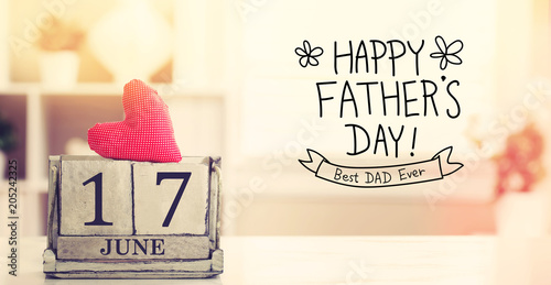 Obraz 17 June Happy Fathers Day message with wooden block calendar  - fototapety do salonu