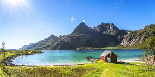 Garden Poster Scandinavia Trollfjord, Strand mit Haus, Lofoten, Skandinavien, Norwegen