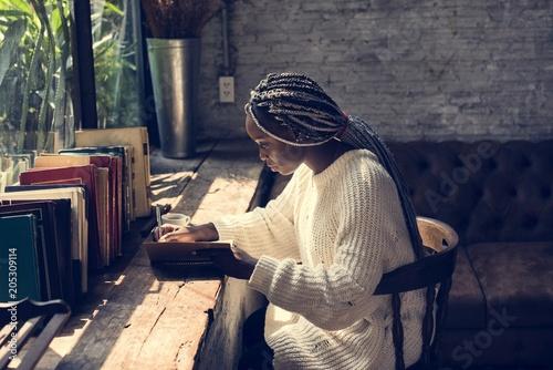 Photo  Portrait of black woman with dreadlocks hair