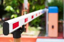 Close Up Barrier Gate Automati...
