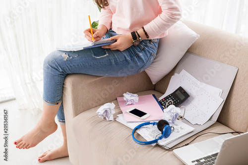 Fotobehang Zeilen Teen business lady