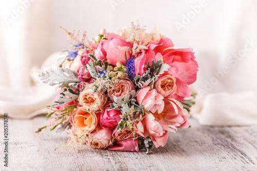Tablou Canvas Bride's beautiful bouquet