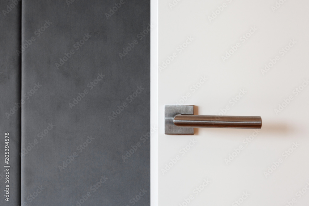 Fototapety, obrazy: Close white door with metallic handle.
