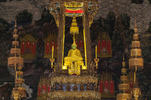 The Emerald Green Buddha In Wa...