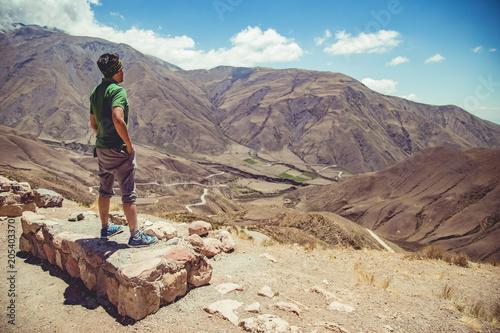 Hombre en la montaña Canvas Print