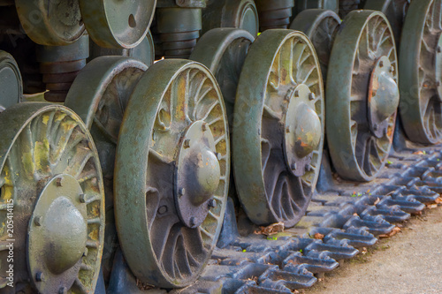 Fotografia  Close up of tank wheels located at historic cultural complex called Stalin Line