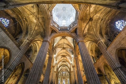fototapeta na drzwi i meble Interior of Cathedral of the Holy Cross and Saint Eulalia in Barcelona, Spain