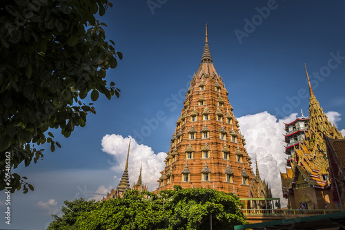 Foto op Aluminium Bedehuis Landscape of Wat Tham Sua Thai temple in Kanchanaburi