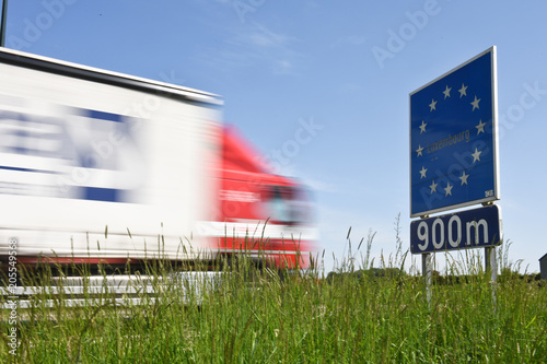 Fotomural Frontiere pays europe panneau signalisation luxembourg