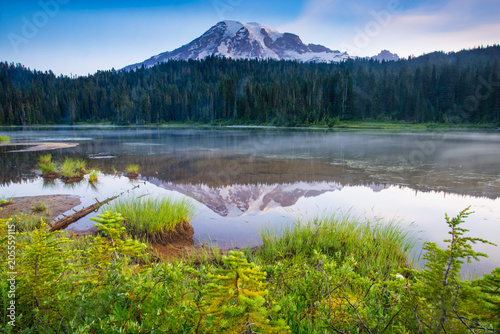 Valokuva  Mount Rainier Lake Reflection