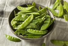 Raw Green Organic Snow Peas