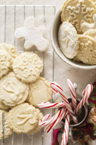 Foto op Canvas Dessert Overhead view of desserts with Christmas Decorations on cooling rack